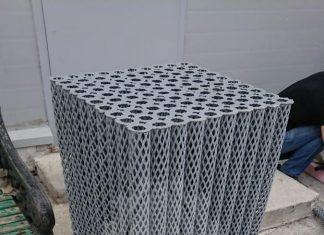 Нестандартный заказ! Блоки биологической загрузки ББЗ из полипропилена. По технологическому процессу заказчик не может использовать ПНД. Нить получилась толще, чем обычно и более жесткая. Блок тяжелее стандартного в 2,5 раза. Габариты блока 690х690х650мм.